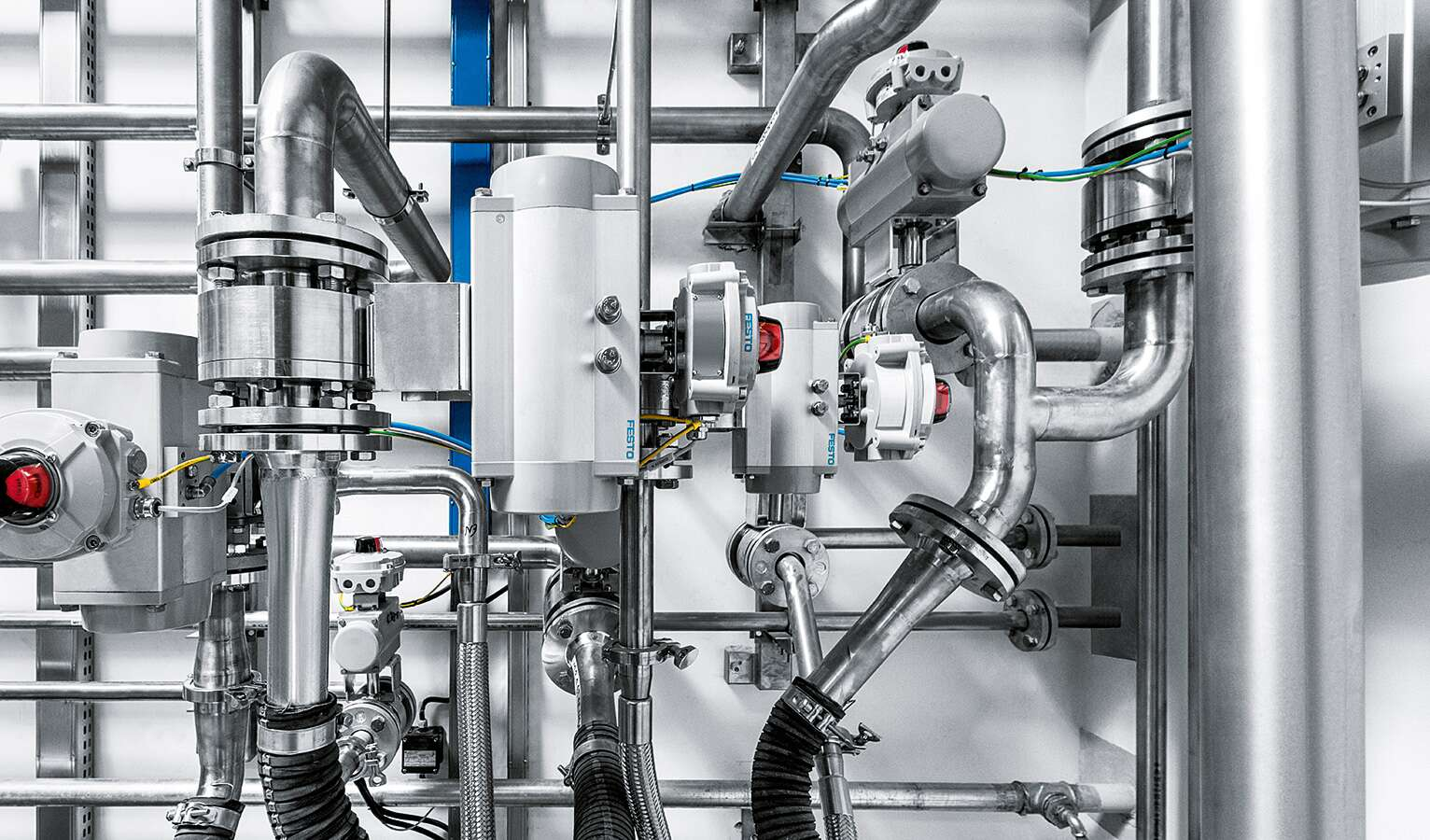 Automated process valves ensure the reliable distribution of substances in the various process steps.