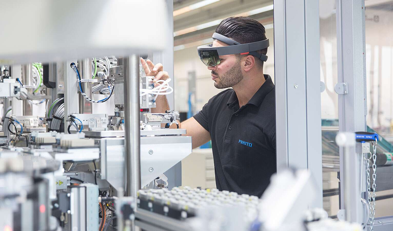 Augmented Reality Virtual Worlds Of The Future Festo