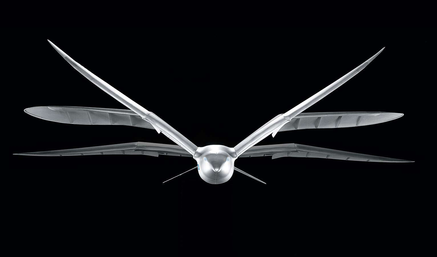 ... and active wing rotation modelled on the bionic SmartBird