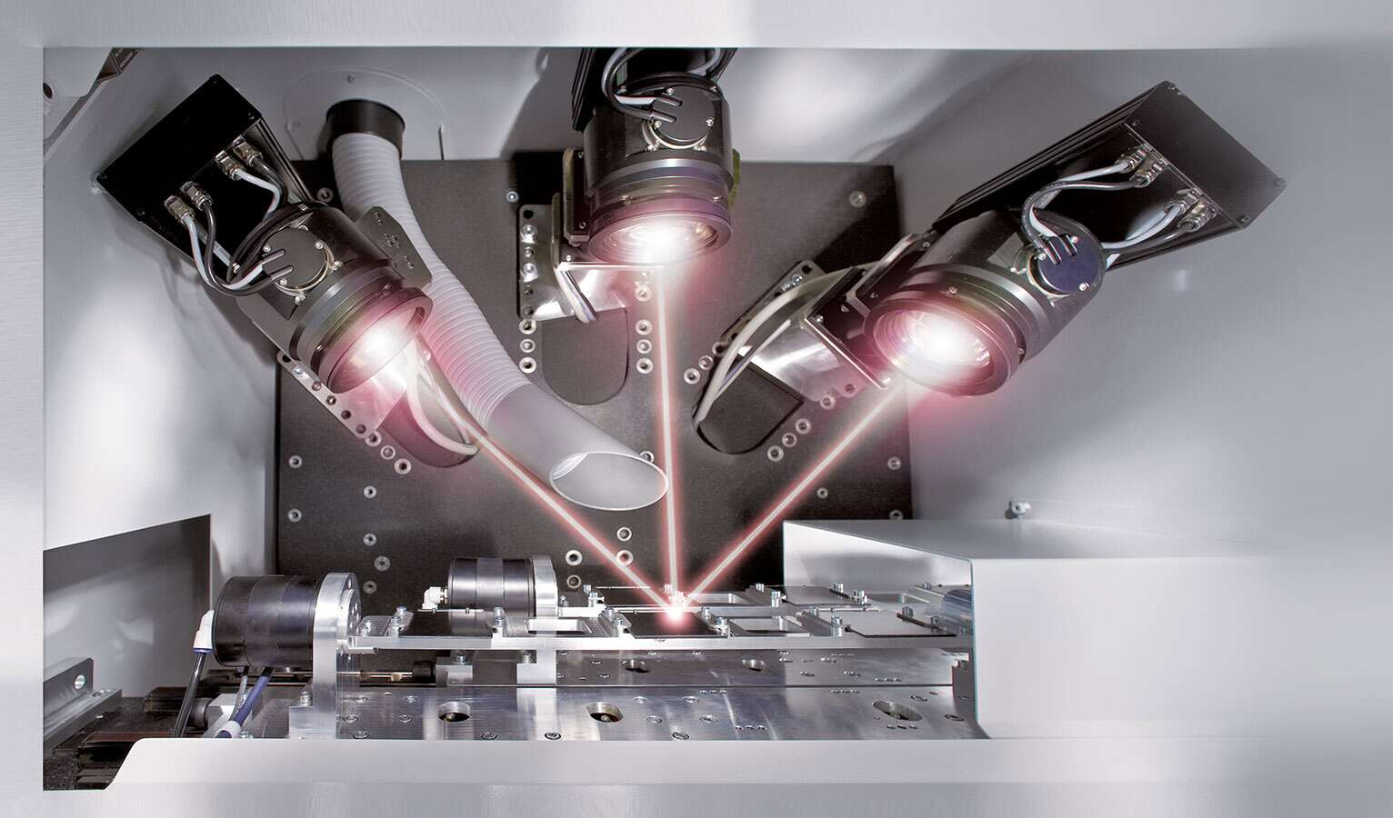 Usinage laser de supports de circuits et de circuits imprimés (crédit photo : LPKF/LDS)