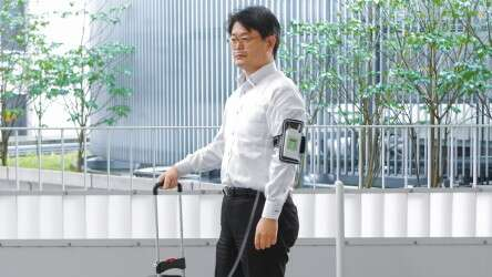 Handy and quiet: the flow regulator IVY can be easily carried and fixed directly on the body.