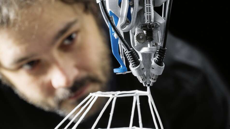 Lattice structures from the robotic spinneret