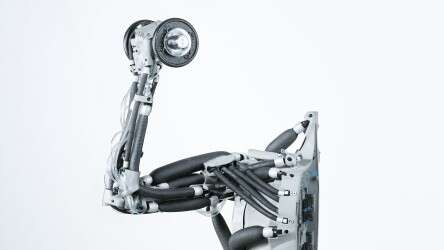 Festo Airic's_arm: as powerful as its natural role model thanks to the pneumatic muscles