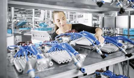 Individual customer-specific solutions from Festo