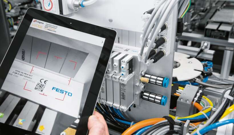 Industry 4.0 technologies: scanning the Product Keys using a tablet