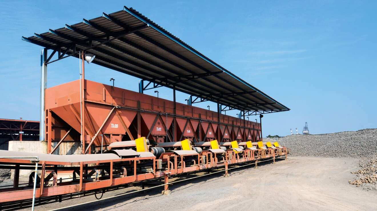 Raw material hoppers