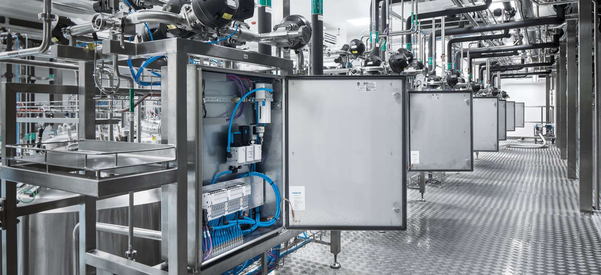 Standardized automation from Festo simplifies installation and maintenance in Biotest AG's new large-scale plant