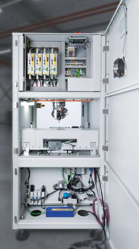IPTE mechanical components, servo motors, controllers, compressed air treatment and valve manifolds from Festo