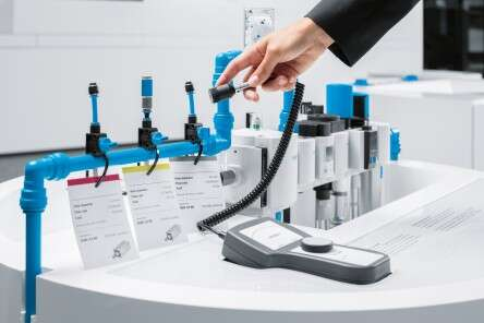Festo energy efficiency: compressed air losses made audible
