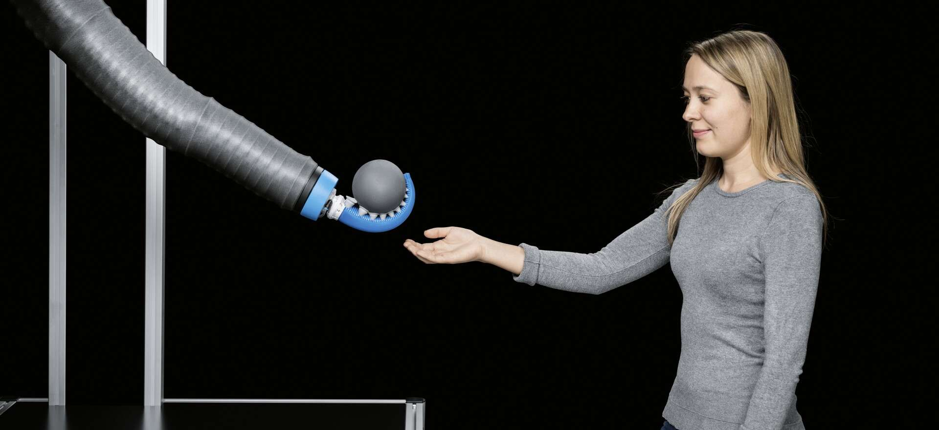 Festo BionicMotionRobot: lightweight robot with natural forms of movement