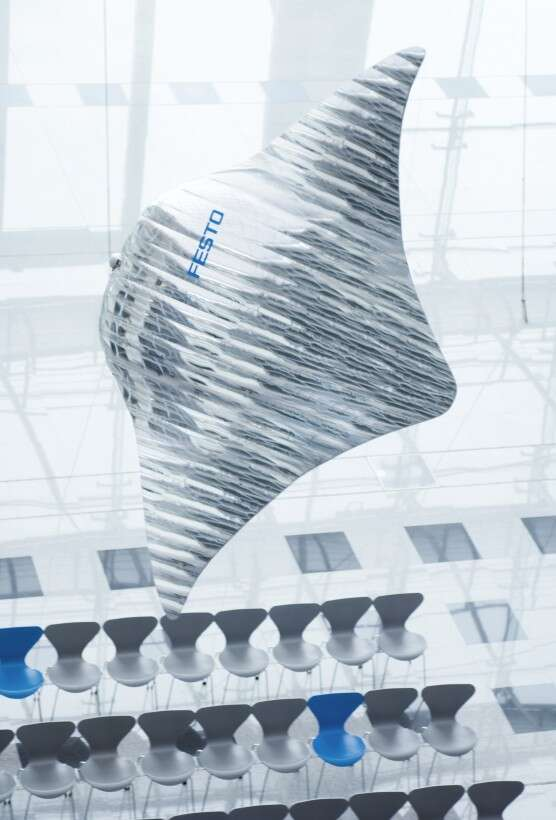 Festo Air_ray with flow-optimized design: the body shape of the ultra-light flying object