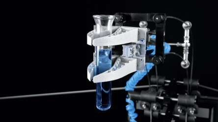 Festo Bionic Tripod 3.0 with adaptive gripper: form-fitting and gentle thanks to structure with Fin Ray Effect®