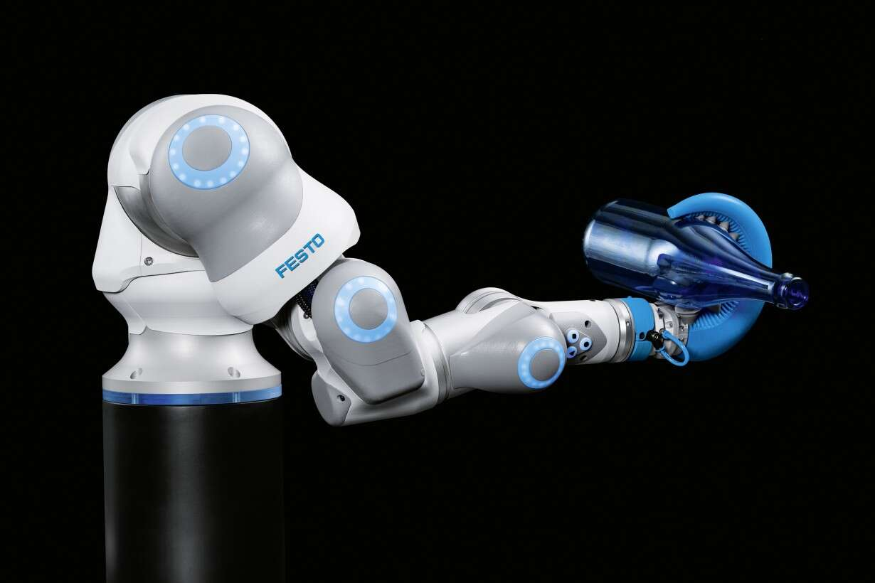 Festo TentacleGripper: the flexible gripper can be used in many ways, for example on the BionicCobot