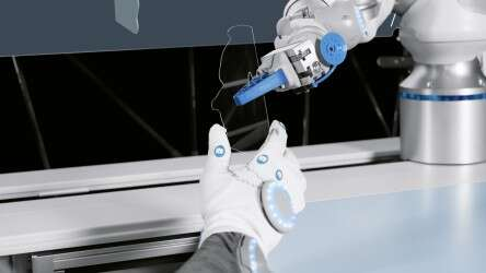 Festo BionicWorkplace: the integrated BionicCobot to support and relieve humans