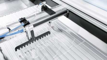 Festo BionicWorkplace: individualized production thanks to the flexible use of various tools
