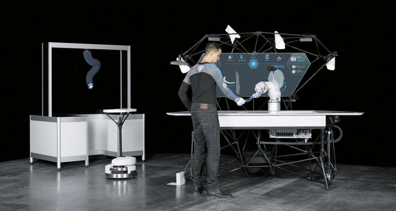 The BionicWorkplace in combination with the BionicMotionRobot as pick-and-place unit and a Robotino®