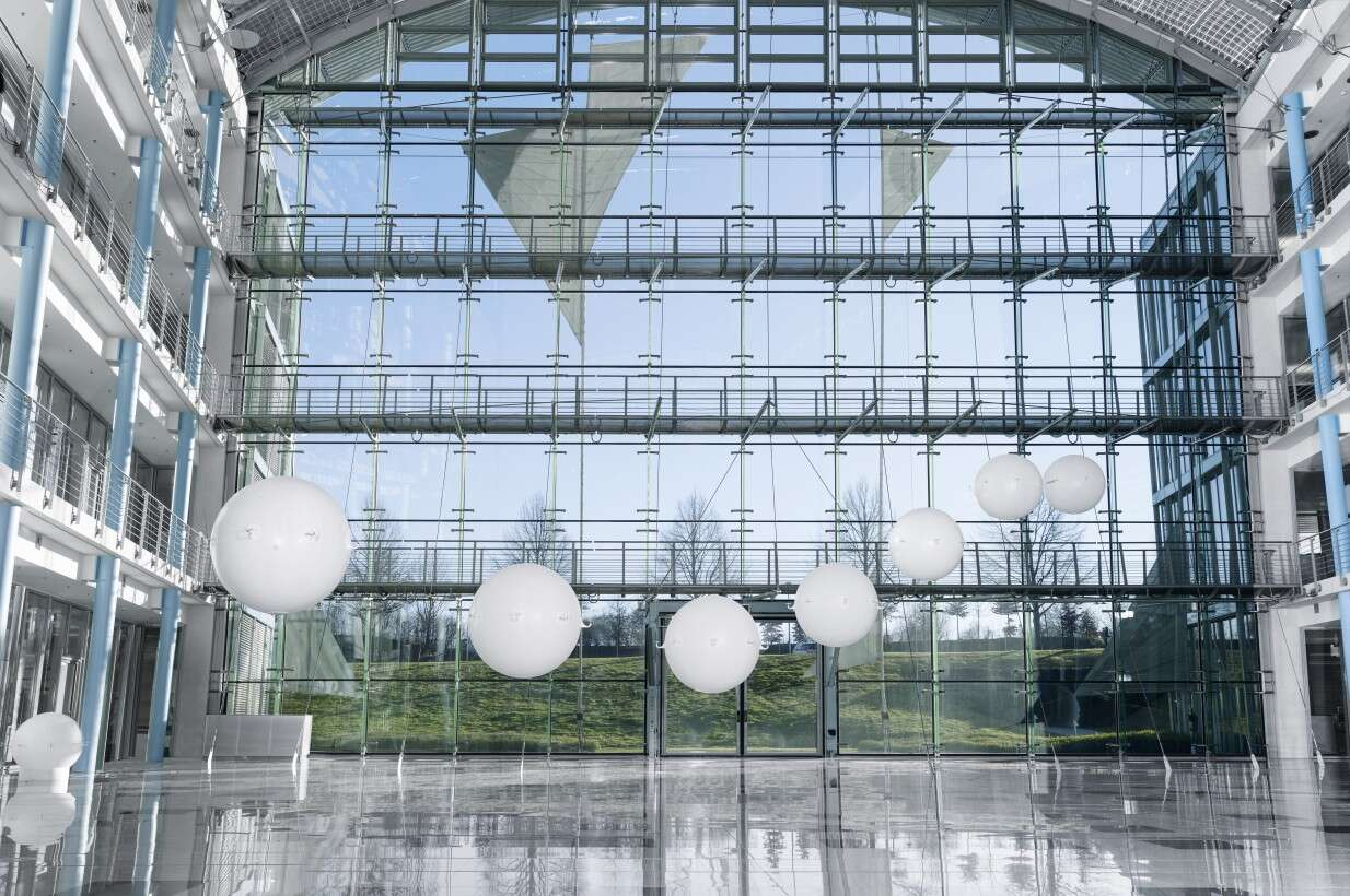 Festo eMotionSpheres: the monitoring system enables the spheres to fly both in formation and individually