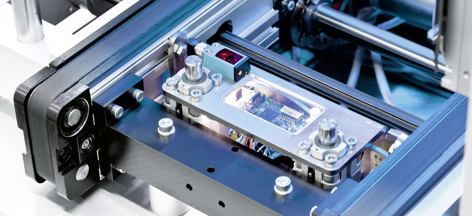 CPS Stopgate: intelligent components for the networked factory of the future