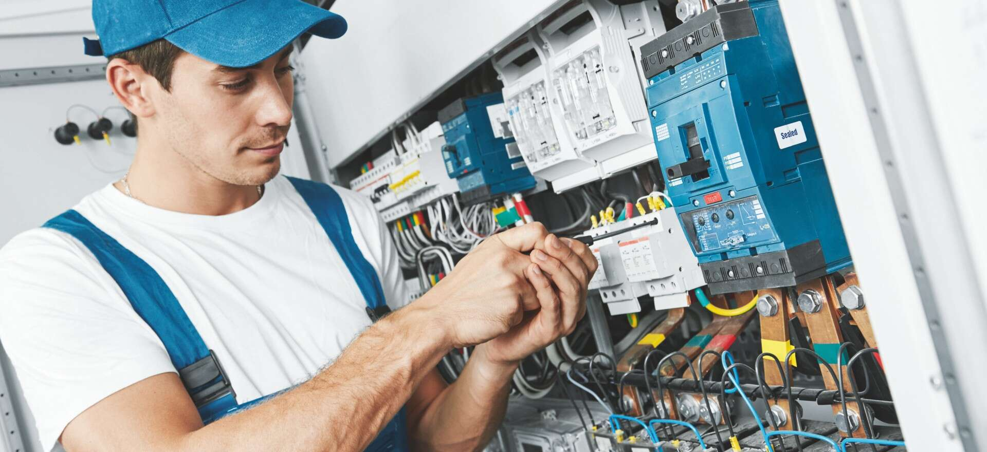 Maintenance-Machines-Mechanical systems-Electrical installations-Training systems