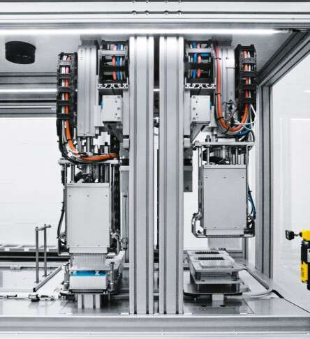 Synchron Lab Automation DNA extraction machine