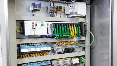 The brain of the plant: the CECX...-PLC at the control level.