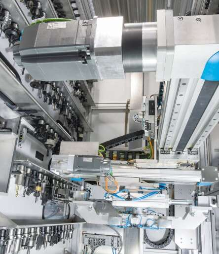 Tandem gripper/rotary unit comprising axes EGC, the pneumatic semi-rotary drive DRRD and the heavy-duty tool gripper HGPT.