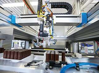 Innovative automation technology for e-mobility