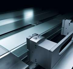 Parallel gripper for precision substrate guidance due to laser structuring: solutions for the solar industry by Festo.