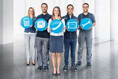 Festo employee with blue service icons