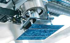 Using vacuum in photovoltaics with technology from Festo